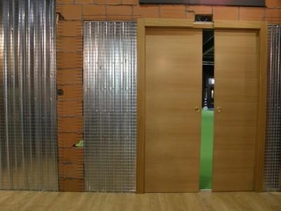 Estructura doble hoja acorazol puertas - Puerta corredera doble hoja ...